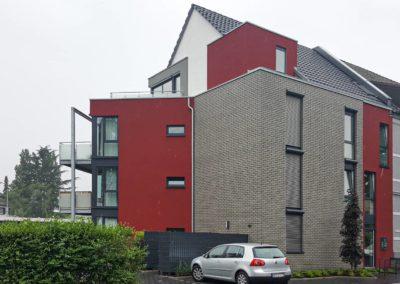 Neubau eines Mehrfamilienhauses mit 6 Wohneinheiten und Garagen-Stellplätzen