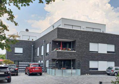 Errichtung von 2 Mehrfamilienhäusern mit 17 Wohneinheiten und 1 Gewerbeeinheit